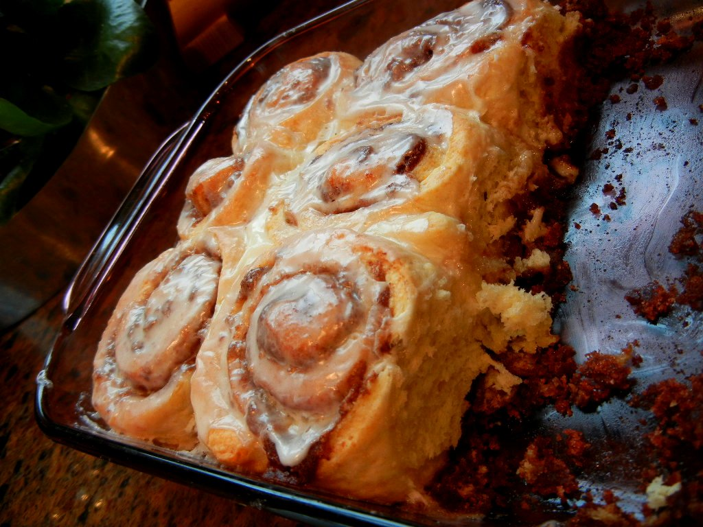 Fastest Cinnamon Rolls , makes a dozen , inspired by various recipes ...